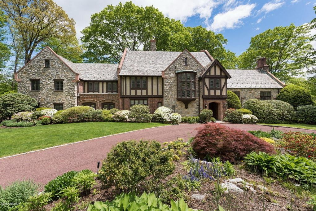33 khakum wood rd greenwich ct 06831 for Builders in connecticut