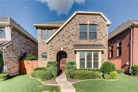 Photo of 7024 Dry Creek Dr, Plano, TX 75025