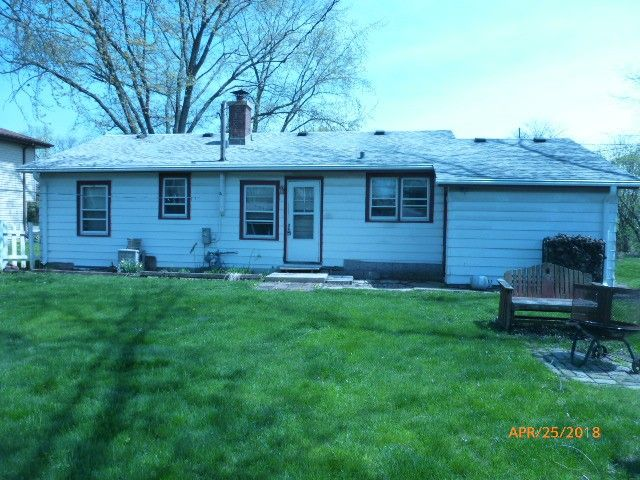 1040 Westmore Meyers Rd, Lombard, IL 60148