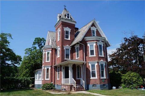 226 E Main St, Macungie, PA 18062