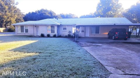 Photo of 214 Chickasaw Dr, West Monroe, LA 71291
