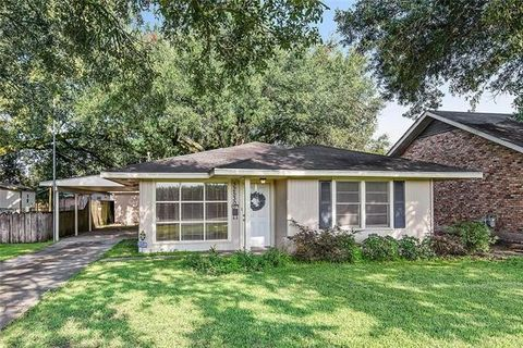 32530 Francise St, White Castle, LA 70788