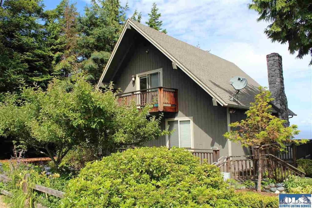 212 W Bluff Dr, Port Angeles, WA 98362