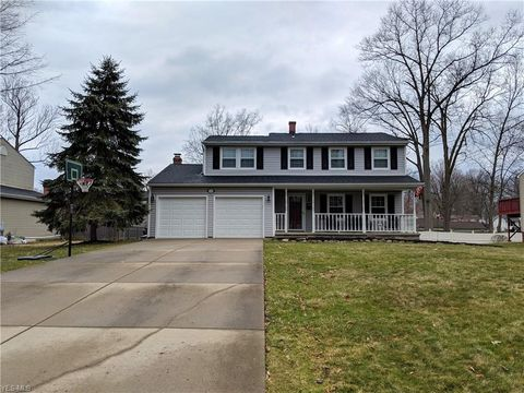 Photo of 2230 Elm Trace St, Austintown, OH 44515