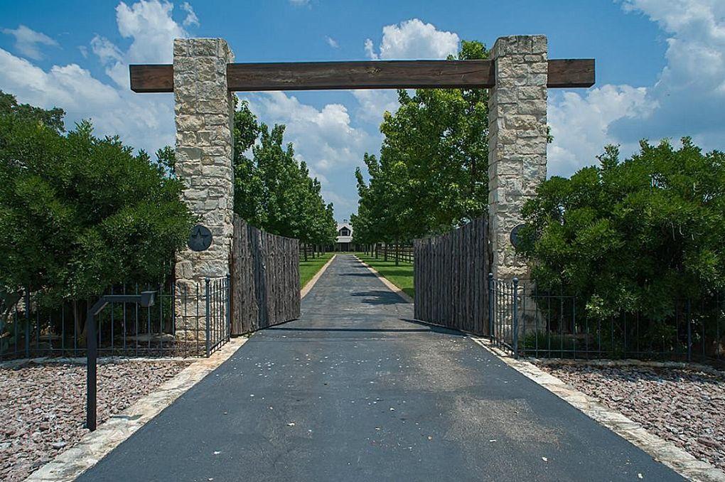 110 Indian Hill Pt, Kyle, TX 78640