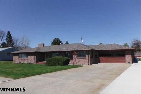 Photo of 601 Valley View Dr, Scottsbluff, NE 69361