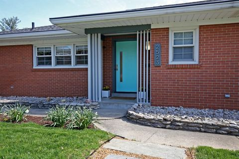 Photo of 2523 Saratoga Dr, Louisville, KY 40205