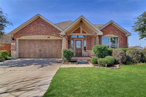 Photo of 102 Bison Meadow Dr, Waxahachie, TX 75165