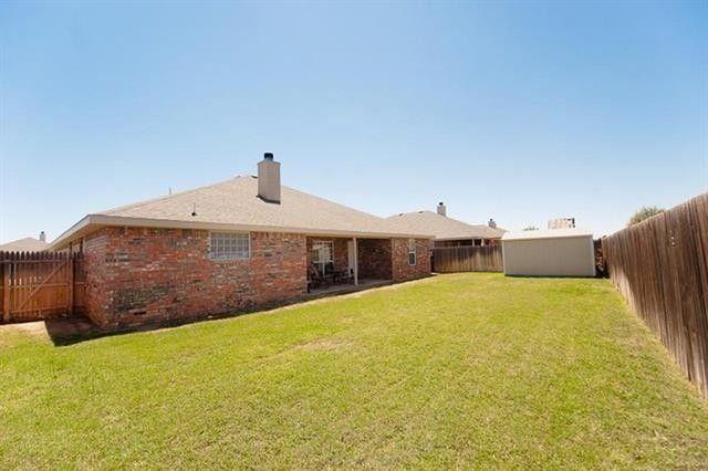 6710 92nd St, Lubbock, TX 79424