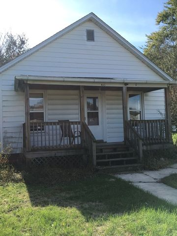 Photo of 405 W Owsley St, Chenoa, IL 61726