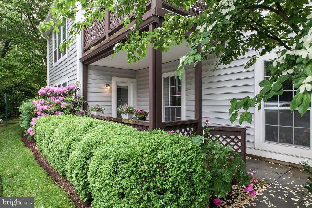 9939 Oakton Terrace Rd Unit 9939 Oakton, VA 22124