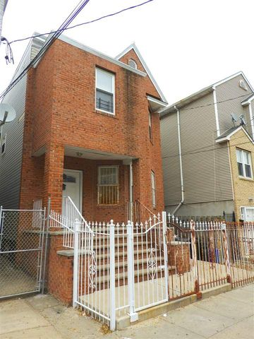 Photo of 158 Wilkinson Ave, Jersey City, NJ 07305
