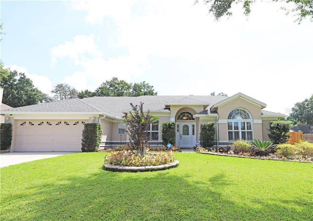 1403 Valley Pine Cir Apopka, FL 32712