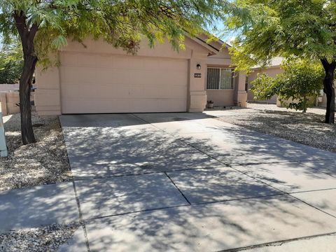 Photo of 1680 E Saint Jerome St, Tucson, AZ 85713