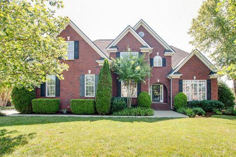 Photo of 1320 Heather Pl, Murfreesboro, TN 37128