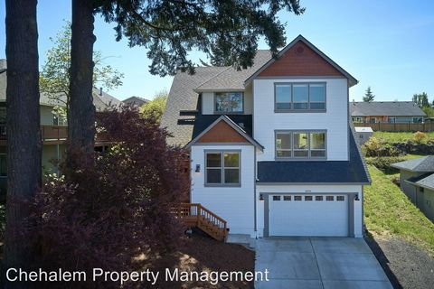 Photo of 2098 Ne Lucy Belle St, McMinnville, OR 97128
