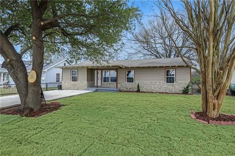 Photo of 4425 Trippie St, Lancaster, TX 75134