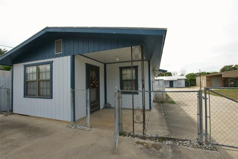 Photo of 307 Gutierrez Dr, San Ygnacio, TX 78067
