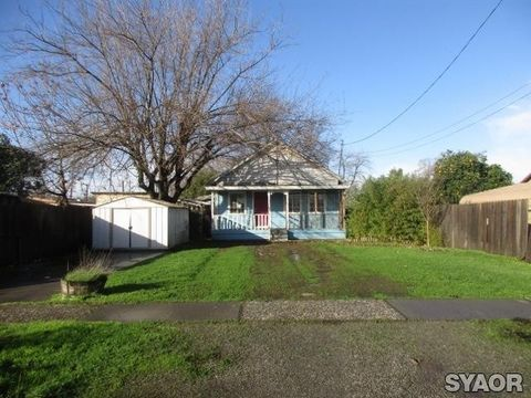 Photo of 22 Orange Ave, Colusa, CA 95932