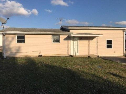 632 County Road 1840 E, Fairfield, IL 62837