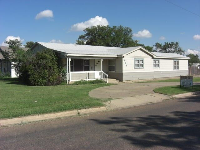 906 Joliet St Plainview Tx 79072 Home For Sale Amp Real