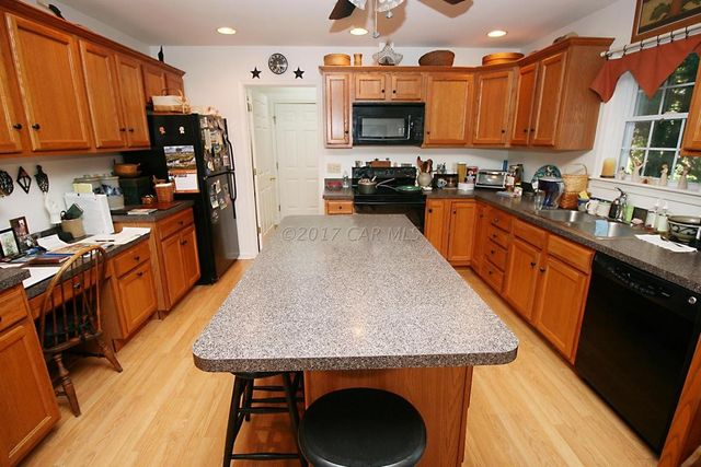 706 E Upland Ct Salisbury Md 21801 Kitchen