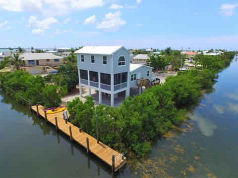 Photo of 27311 Saint Croix Ln, Ramrod Key, FL 33042
