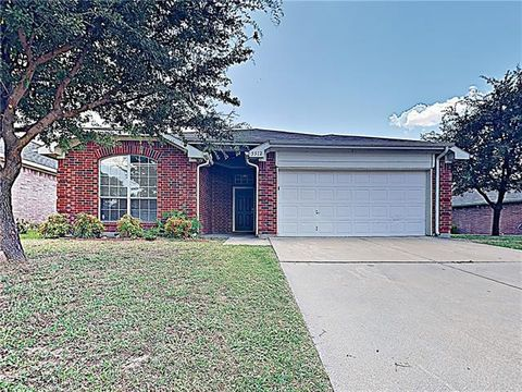 Photo of 5512 Ridge View Dr, Watauga, TX 76137