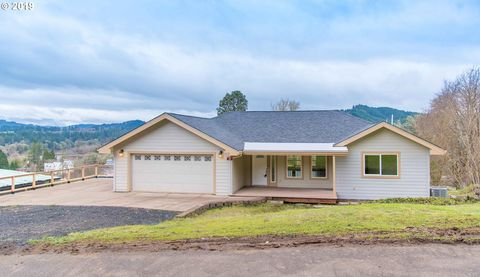 Photo of 612 D St, Elkton, OR 97436
