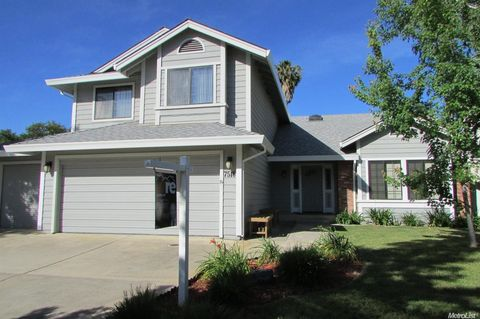 4 Bedroom Homes For Sale In Pocket Road Country Est Sacramento Ca