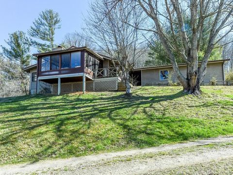 Photo of 5152 Whitson Branch Rd, Green Mountain, NC 28740