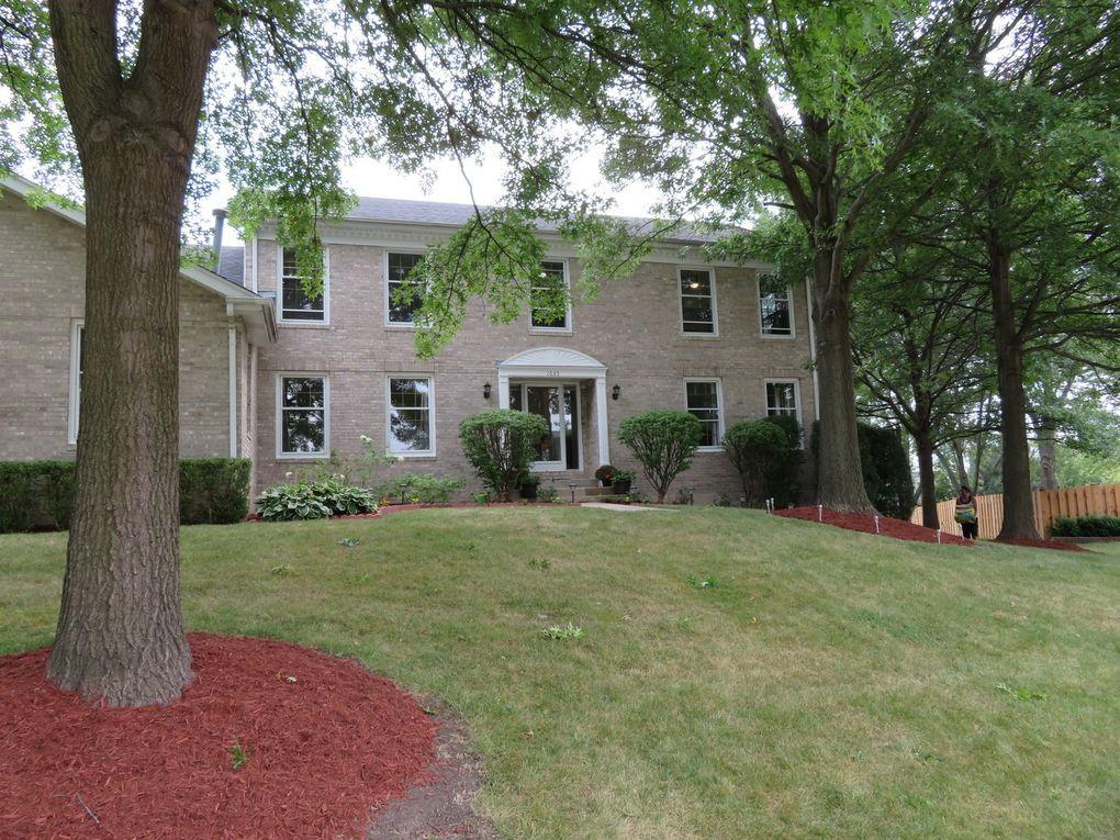 1635 Charlemagne Dr, Hoffman Estates, IL 60192
