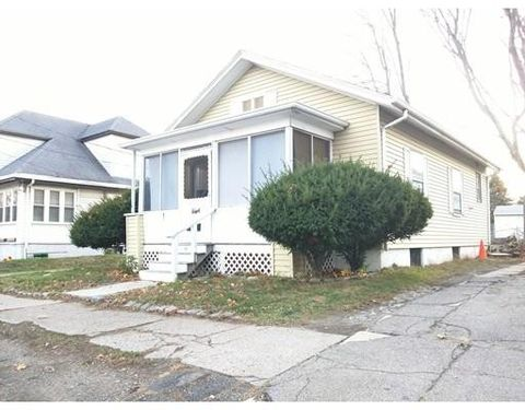 87 Freeman St, Quincy, MA 02170