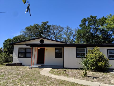 Photo of 1430 Crest Dr, Titusville, FL 32780