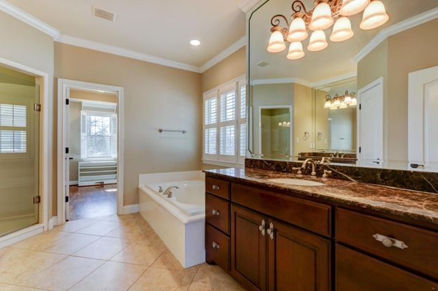 custom bathroom vanities knoxville brightpulse us - Bathroom Cabinets Knoxville Tn