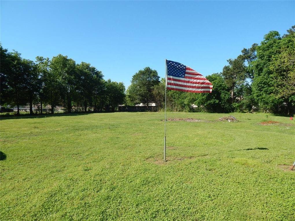 Walnut St, Tomball, TX 77375