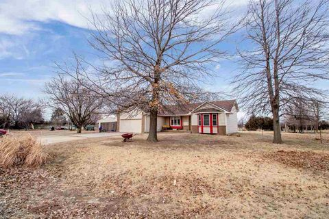 Photo of 4616 W 77th St N, Valley Center, KS 67147