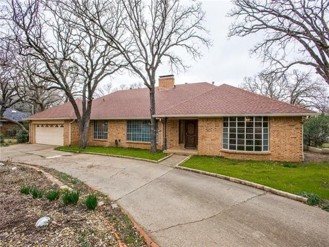 196 Lakeland Dr Highland Village, TX 75077