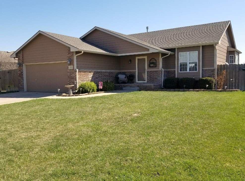 1702 N Prairie Run Cir, Mulvane, KS 67110