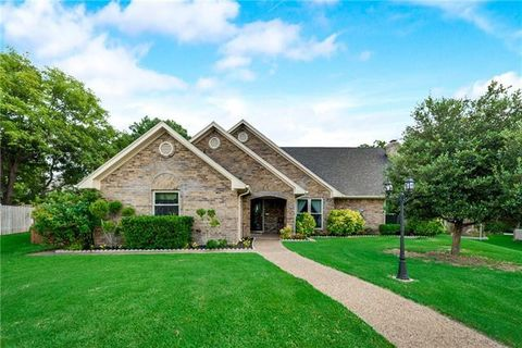 Photo of 102 Tanglewood Ct, Wylie, TX 75098