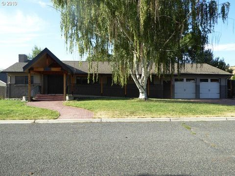 Terrific 1420 Cliff St Baker City Or 97814 Beutiful Home Inspiration Ommitmahrainfo