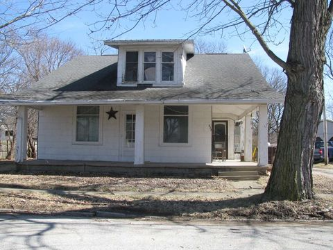 Photo of 705 N Sycamore St, North Manchester, IN 46962