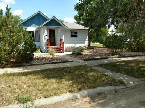 828 3rd Ave S, Glasgow, MT 59230