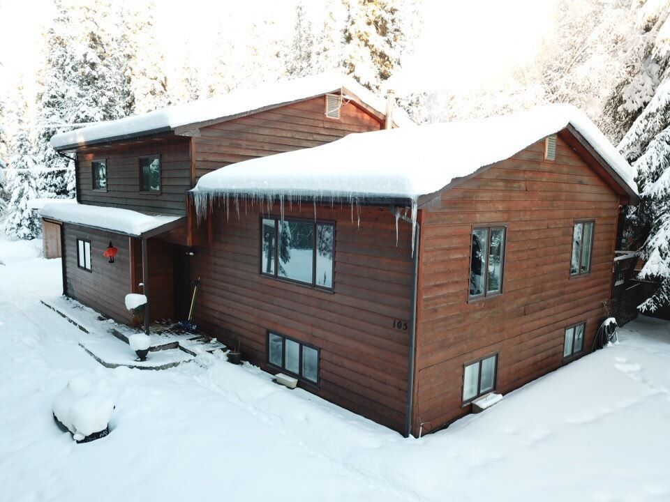 105 Cary Ave, North Pole, AK 99705