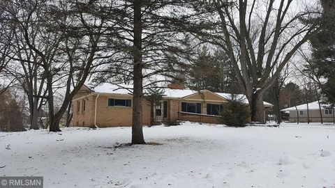 Photo of 22 Roger Rd, Saint Cloud, MN 56301