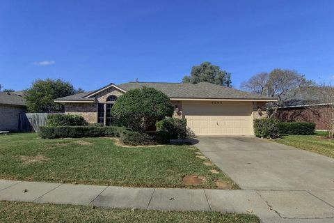 7505 Yorkshire Dr, Corpus Christi, TX 78413. Single Family Home