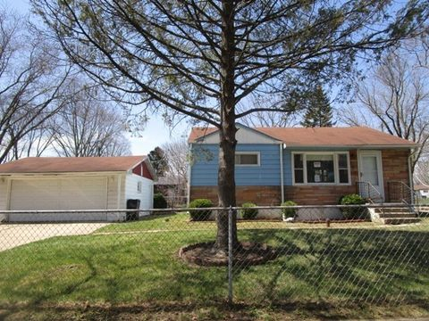 2050 Delaware Rd, Waukegan, IL 60087