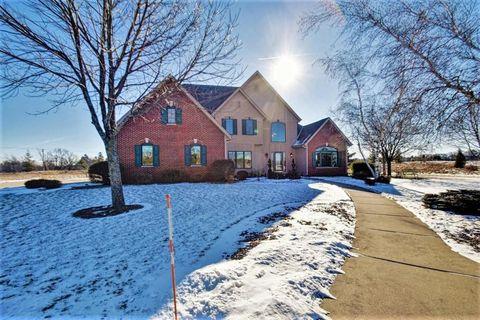 1740 Creekridge Ct, Cedarburg, WI 53012