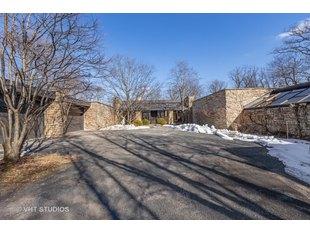 <div>54 Oakvale Rd</div><div>Highland Park, Illinois 60035</div>