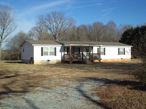 542 Blackridge Rd, La Crosse, VA 23950
